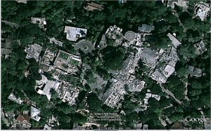 The hotel was destroyed in the January 12, 2010, earthquake. There are estimated to be 200 people trapped in the rubble. (Images from Google Earth.)
